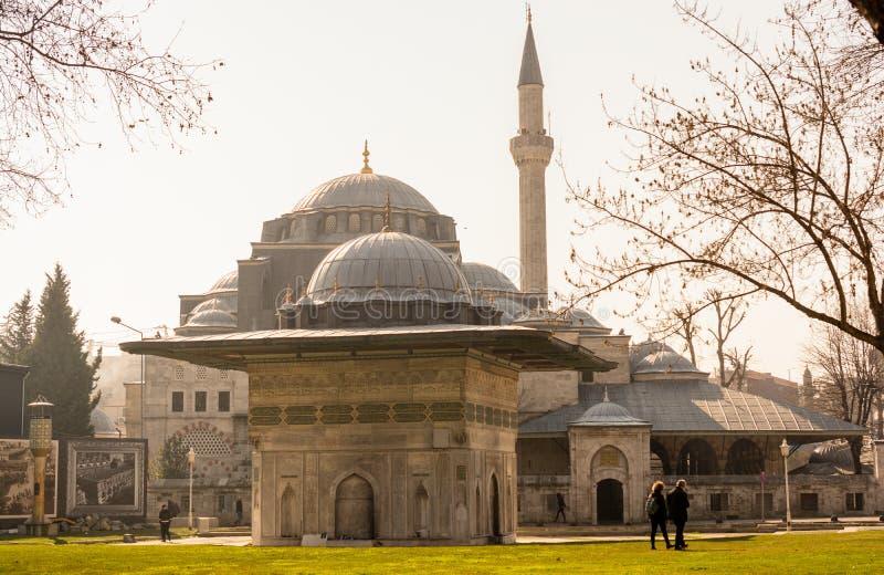 Mezquita del estilo del otomano en Estambul fotos de archivo