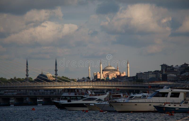 Mezquita del estilo del otomano en Estambul foto de archivo