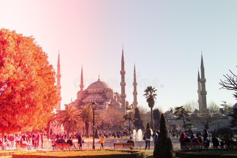 Mezquita del estilo del otomano en Estambul fotografía de archivo