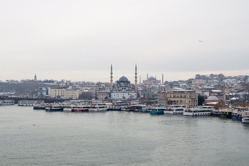 Mezquita del tiempo y del estilo del otomano en Estambul imagen de archivo