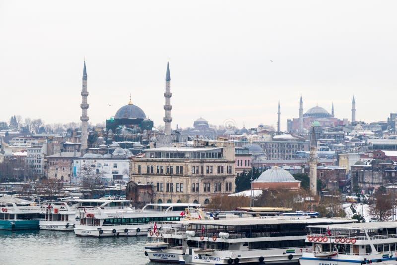 Mezquita del tiempo y del estilo del otomano en Estambul fotos de archivo libres de regalías