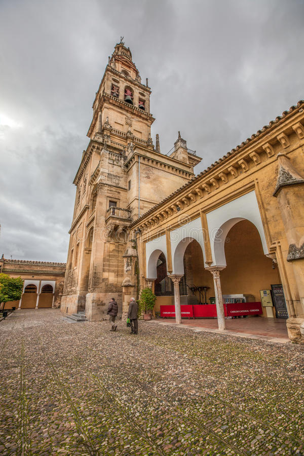 Mezquita-Domkyrka Minaret, Cordoba royaltyfria bilder
