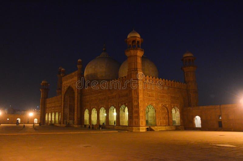 Mezquita en la noche, Lahore, Punjab, Paquistán de Badshahi imagenes de archivo