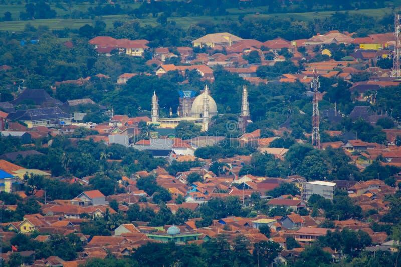 Mezquita indonesia del pueblo imagenes de archivo