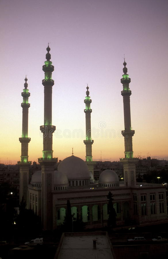 Download MEZQUITA VIEJA DE LA CIUDAD DE ORIENTE MEDIO SIRIA ALEPO Imagen de archivo editorial - Imagen de medio, mezquita: 64212559