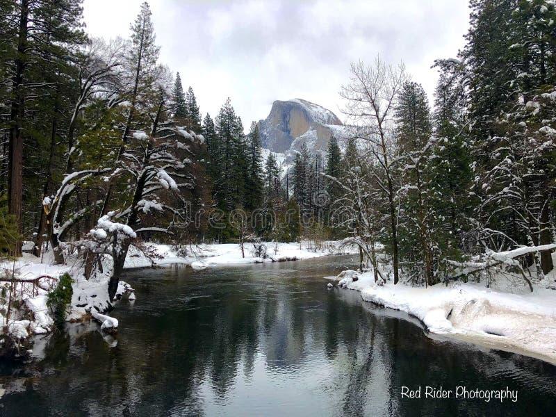 Mezza cupola, inverno di parco nazionale di Yosemite fotografie stock