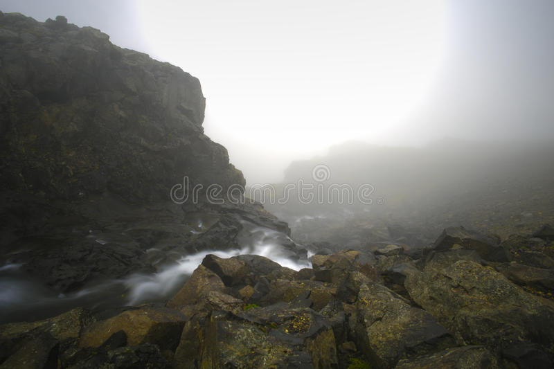 Mgła i góra fotografia stock