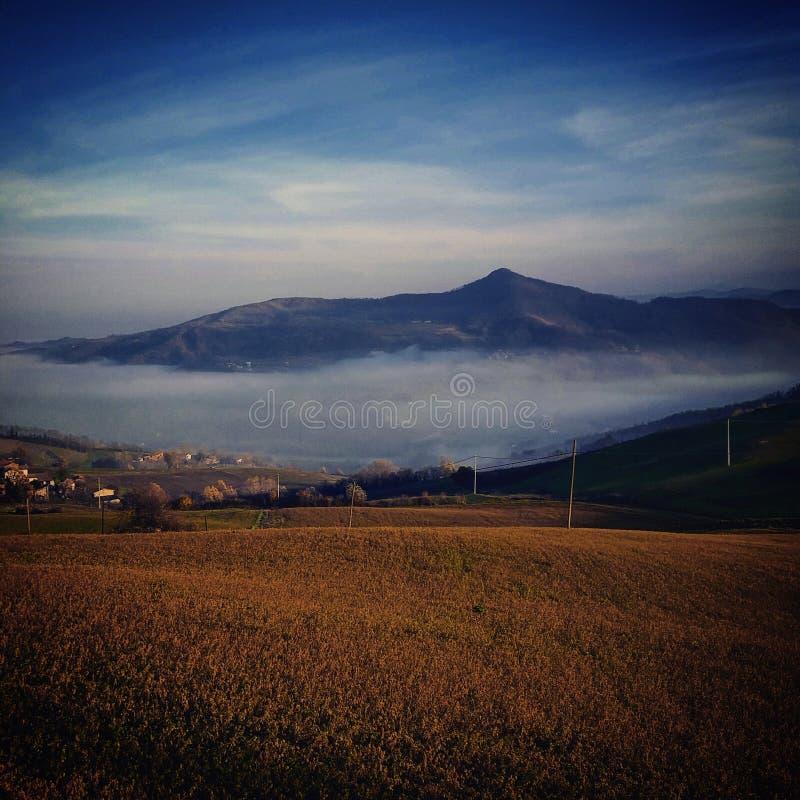 Mgła jezioro fotografia stock