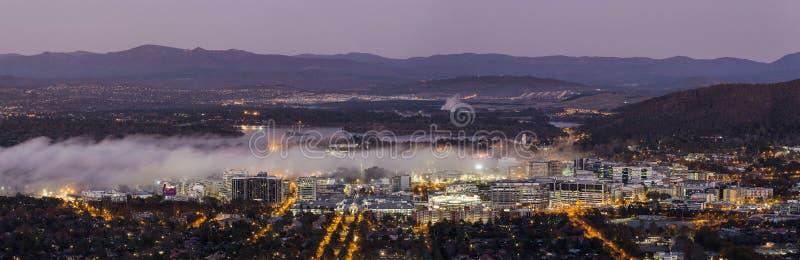Mgła w Canberra mieście zdjęcie royalty free
