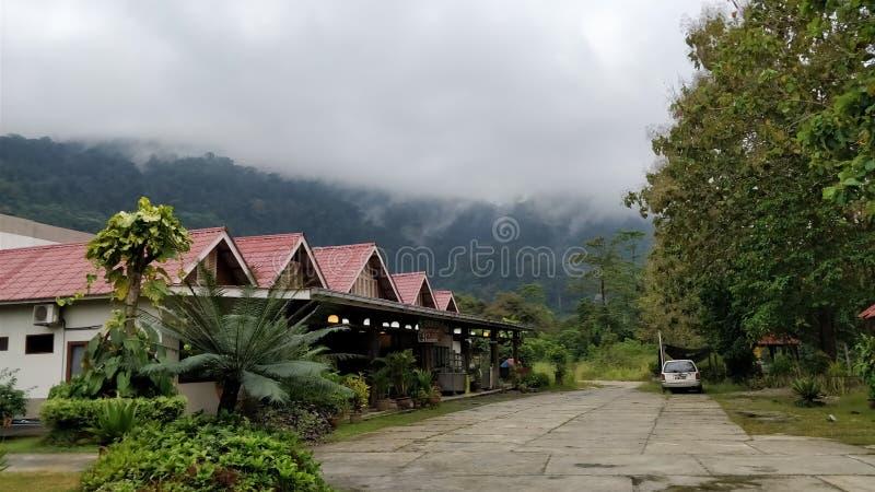 Mgłowi domy w Kuala Lumpur Malezja obraz stock