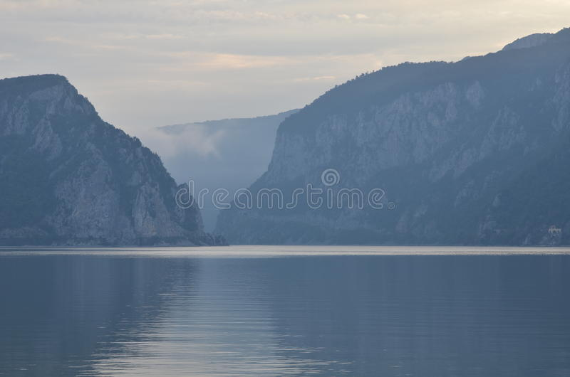 Mgłowy ranek na Danube zdjęcia royalty free