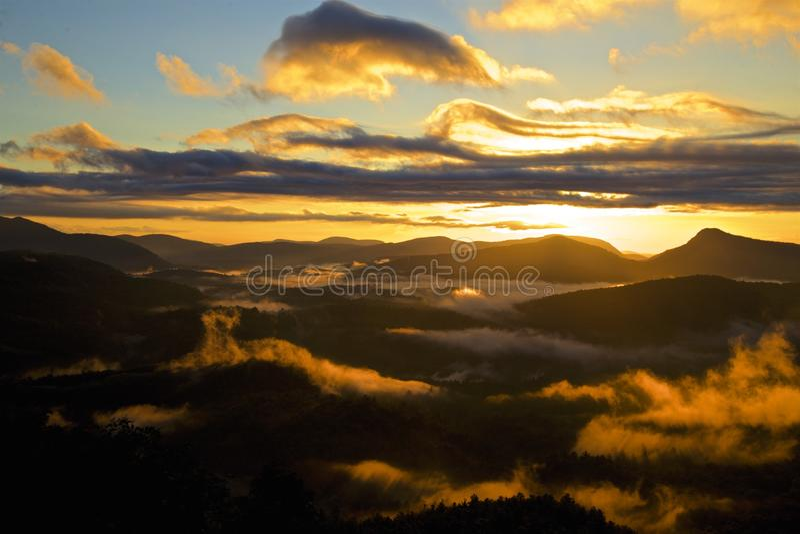 Mgłowy ranek w smokies zdjęcie royalty free