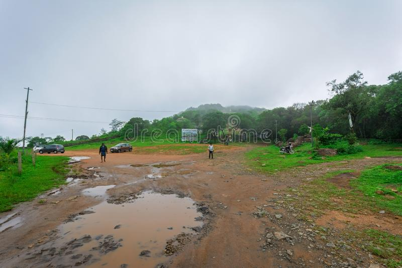 Mgłowy ranek w Vagamon Kurishumala fotografia stock