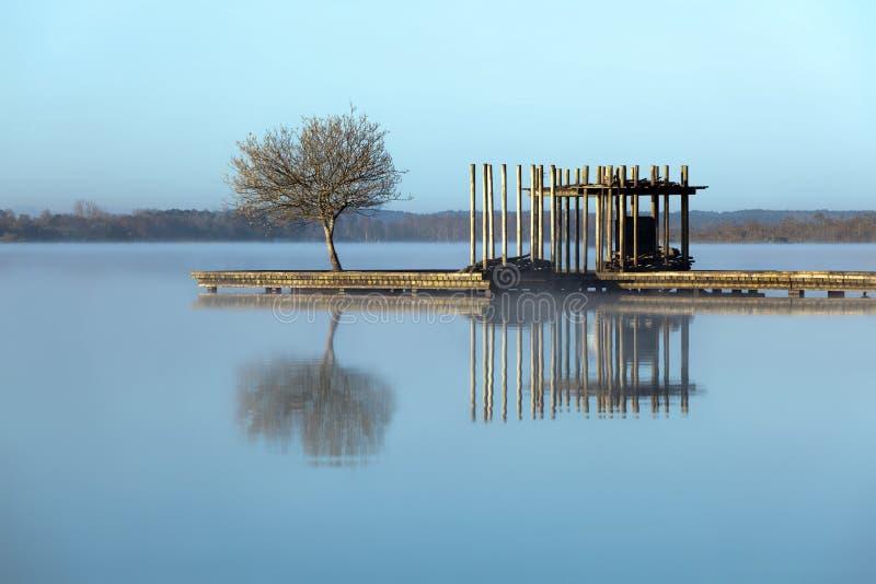 mgły jeziora zen zdjęcia royalty free