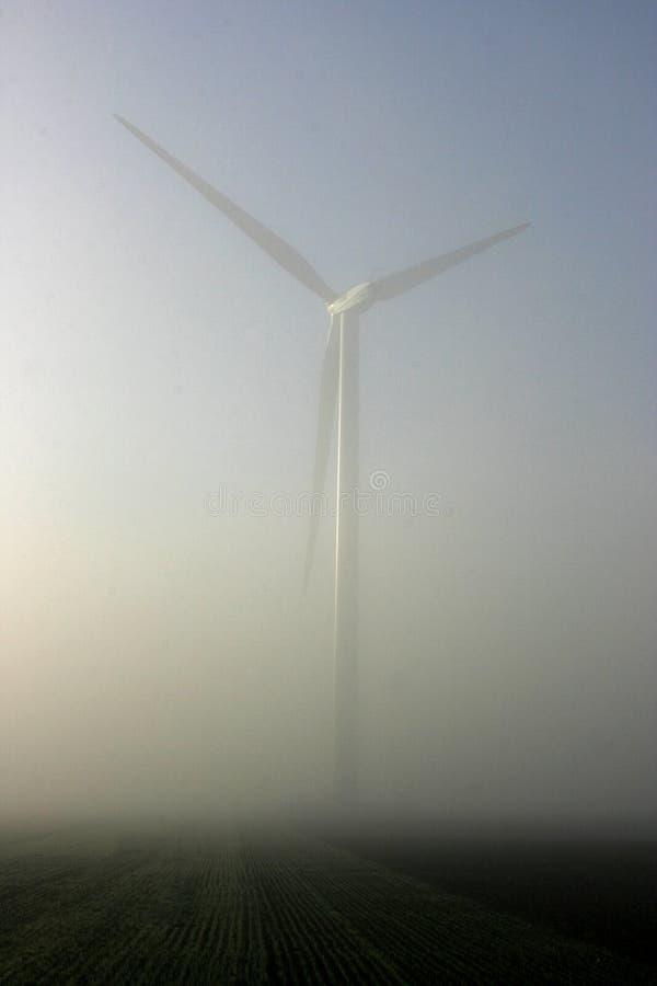 mgły nadchodząca turbina nadchodzący meandruje obrazy royalty free