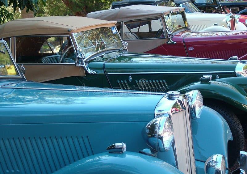 Mg-Autos in einer Reihe lizenzfreies stockbild