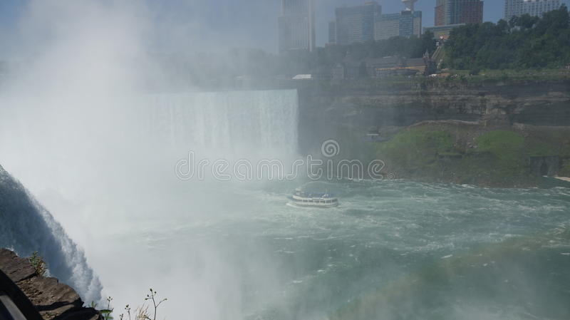 Mglista Niagara rzeka, spadki I obraz royalty free