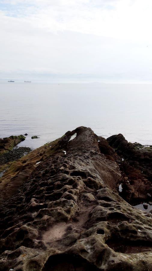 Mglisty dzień przy morzem obrazy stock