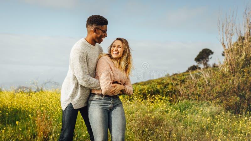 Miłości para cieszy się ilość czasu togeher obraz royalty free