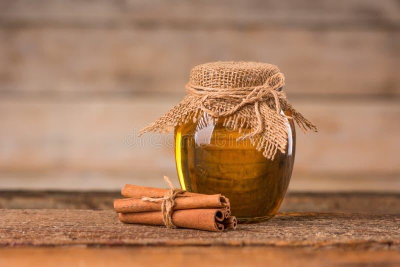 Miód i cynamon obrazy stock