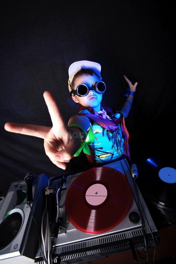 Miúdo fresco DJ na ação imagens de stock