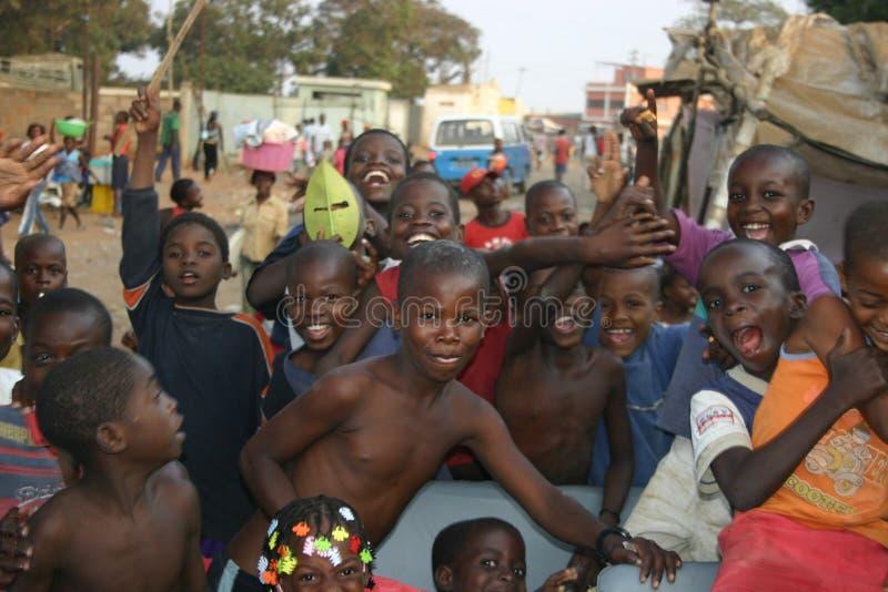 Miúdos angolanos foto de stock