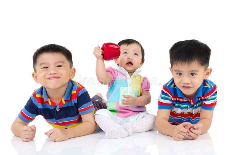 Miúdos asiáticos imagens de stock