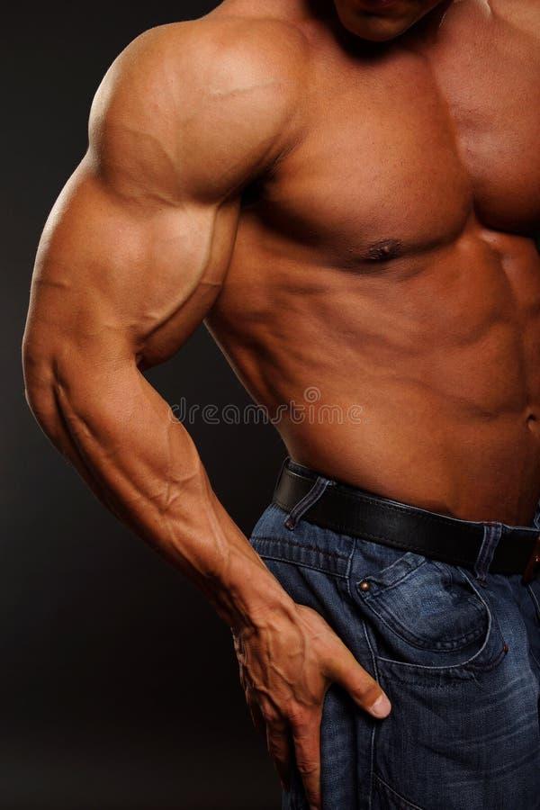 mięśniowa mężczyzna pozycja zdjęcie royalty free