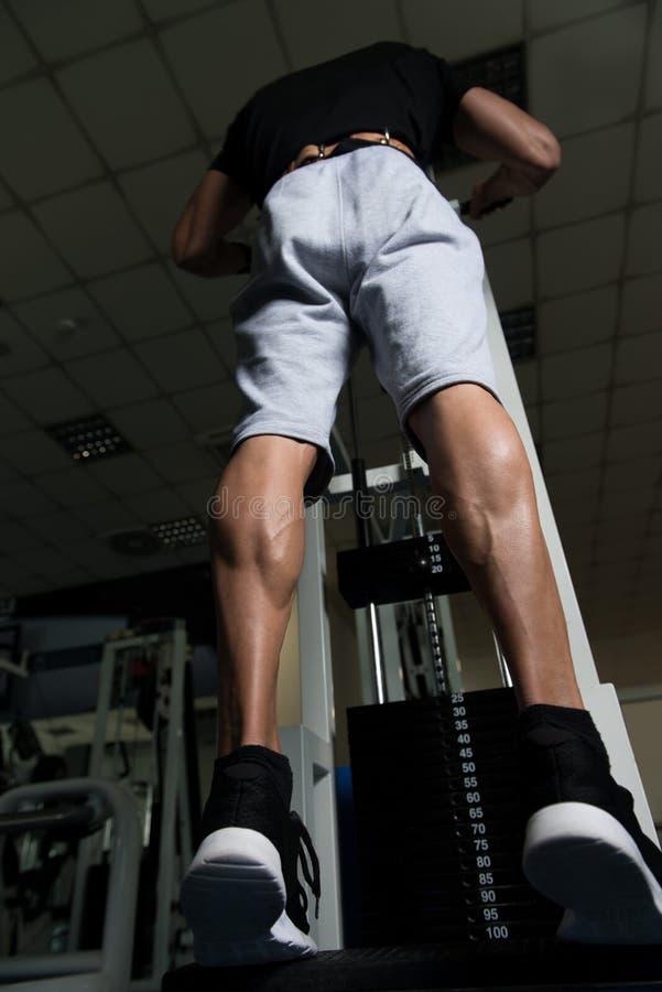 Mięśniowe mężczyzna łydki zdjęcia stock
