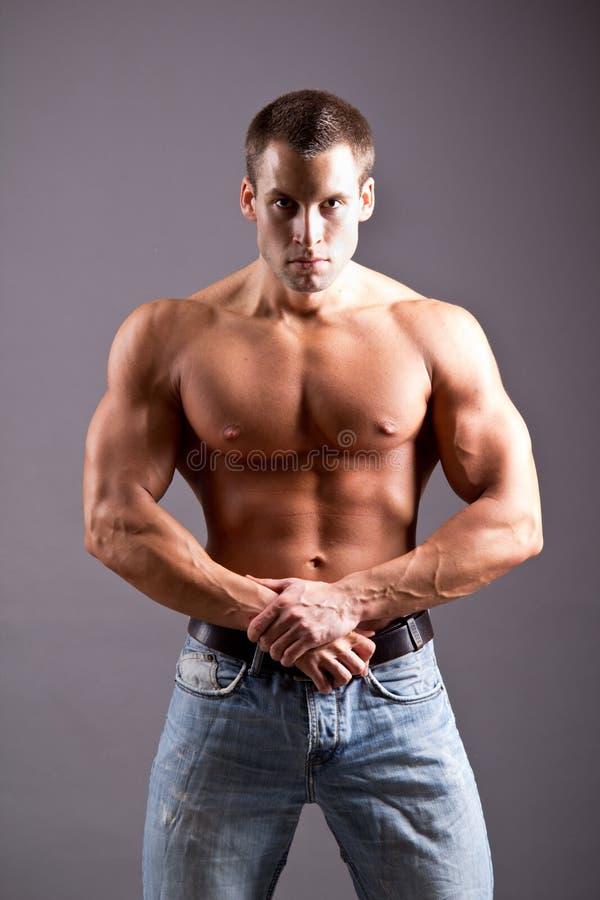 Mięśniowy mężczyzna fotografia royalty free
