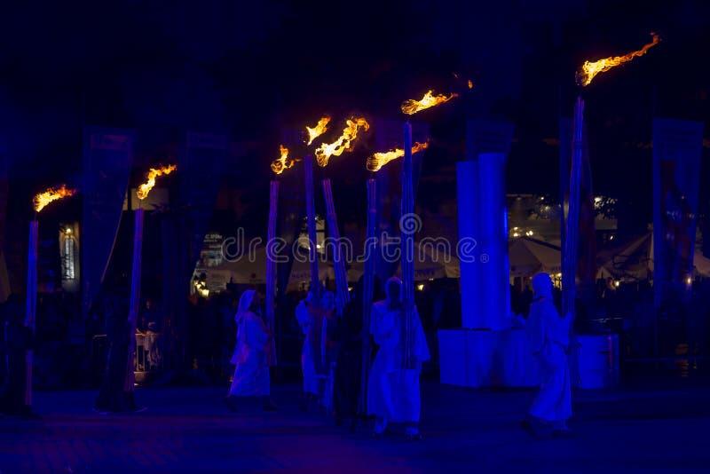 Międzynarodowy festiwal Uliczni Theatres ULICY w Cracow_Xarxa Theatre zdjęcie stock