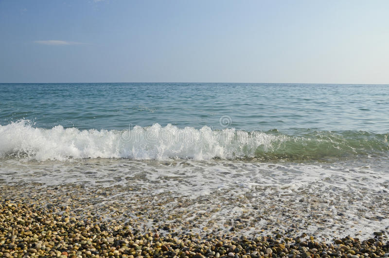 Miękka delikatna fala na Czarnym morzu zdjęcia stock