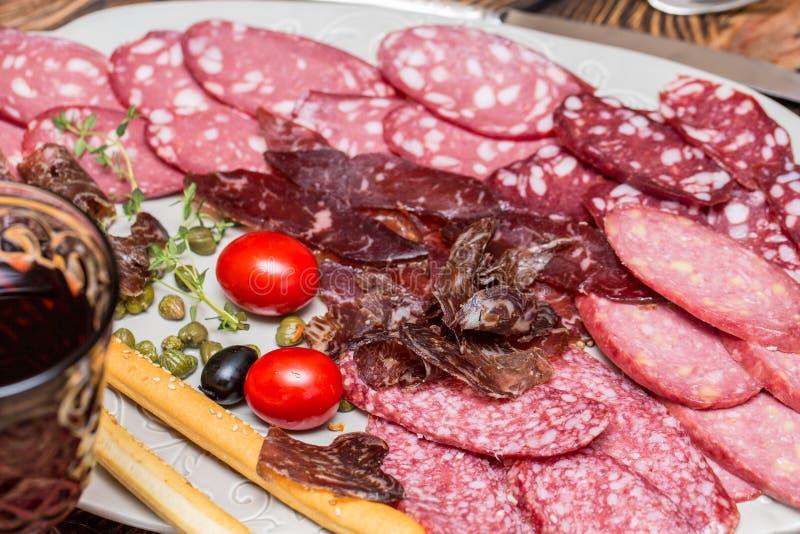 Mięsny garmażeria talerz Rozcięcie fotografia stock