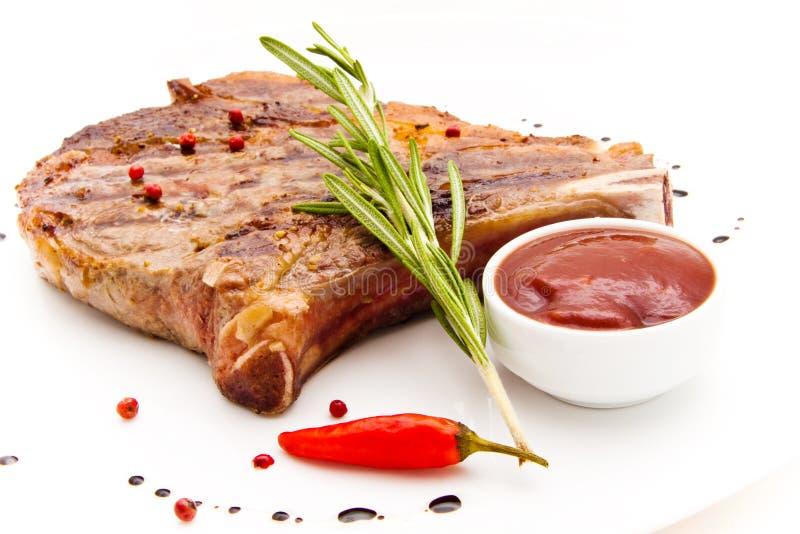 Mięso na grillu ilustracji