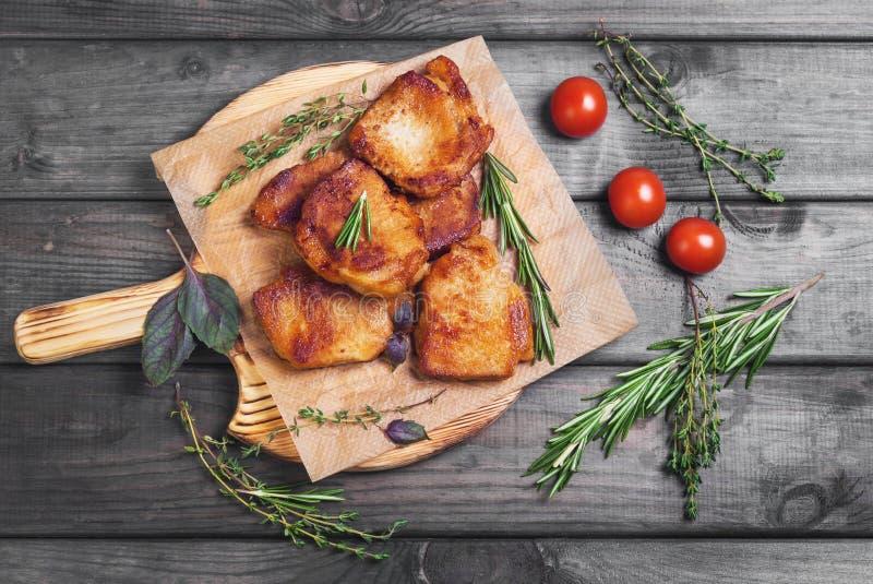 Mięso smażący wieprzowina stek piec fotografia stock