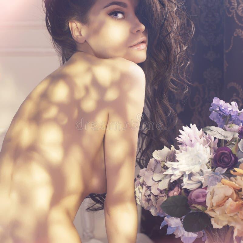miła kobieta kwiat fotografia royalty free