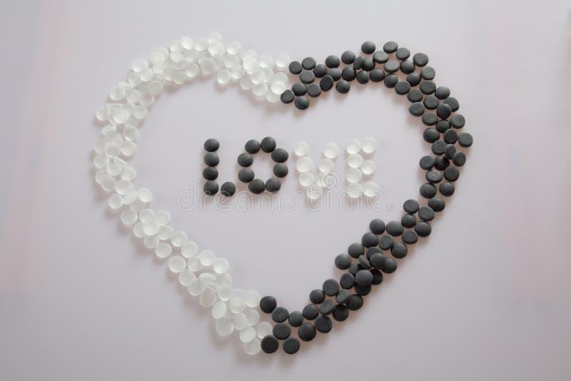 Download Miłość w sercu zdjęcie stock. Obraz złożonej z gorący - 28954112