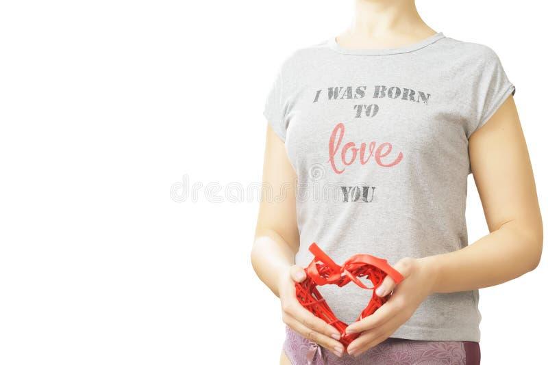 Miłości i valentines dnia kobiety mienia serce zdjęcia royalty free