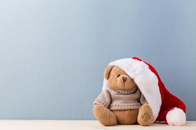 Miś w Santa nakrętce zdjęcie royalty free