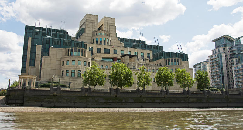 MI6 Secret Service Building, London. The SIS Building or MI6 Building at Vauxhall Cross houses the headquarters of the British Secret Intelligence Service (SIS stock photography