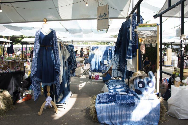 Mi Tienda De Ropa De Teñido Del Añil Del Batik Del Lazo De La Moda Para Los Viajeros De La Venta Fotografía Editorial Imagen De Dyeing Belleza 109870122