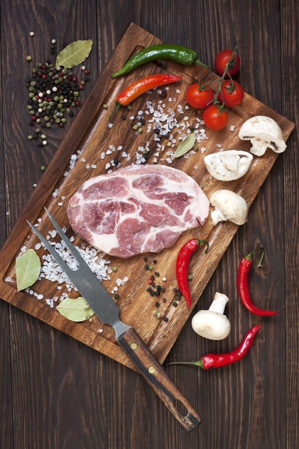 Download Mięso z warzywami zdjęcie stock. Obraz złożonej z żywienioniowy - 53775898