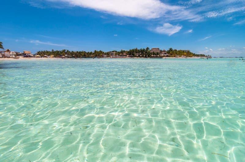 Mia礁石Isla Mujeres手段入口  库存照片