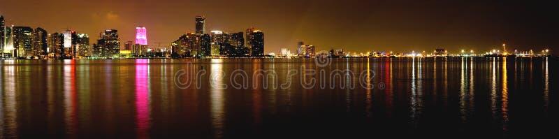 Miami alla notte fotografie stock