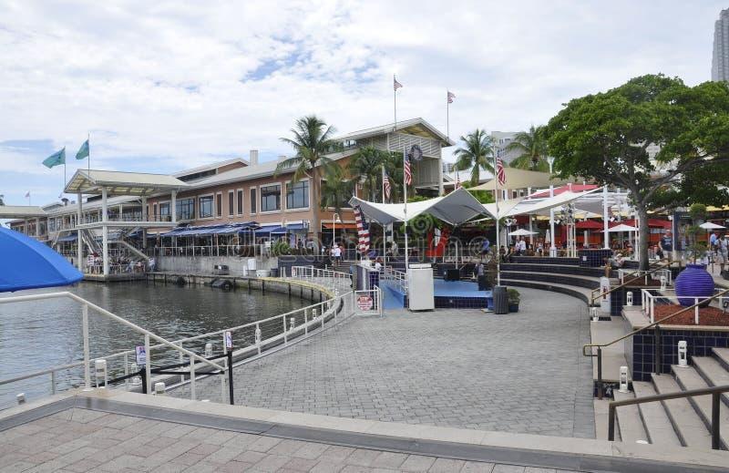 Miami, 9 augustus: Baysidewaterkant van Miami in Florida de V.S. royalty-vrije stock foto's