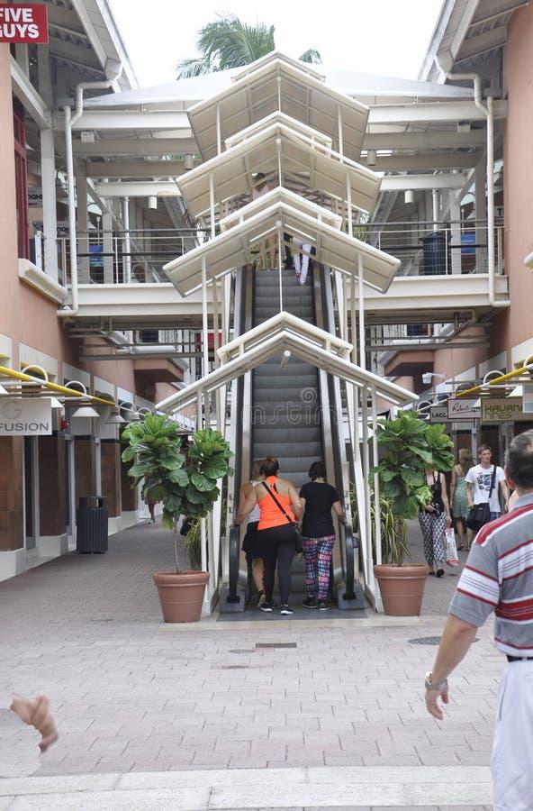 Miami, 9 augustus: De Trede van het Baysidewinkelcentrum van Miami in Florida de V.S. royalty-vrije stock fotografie
