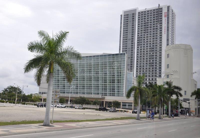 Miami Beach FL, el 9 de agosto: Edificio del teatro de la ópera del ballet de Ziff de Miami Beach en la Florida foto de archivo