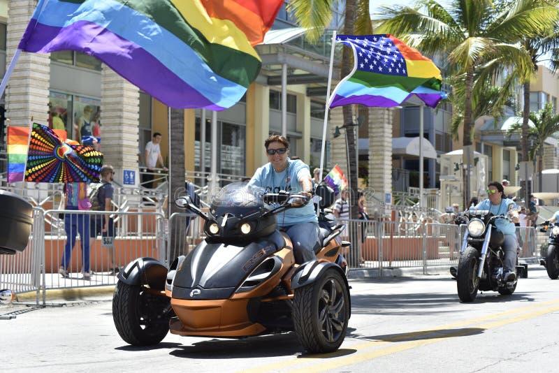 MIAMI BEACH, FLORIDA, am 9. April 2016 - homosexueller Stolz lizenzfreie stockfotografie