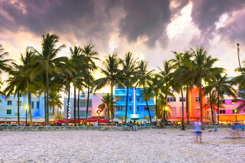Miami Beach, Floride, États-Unis, paysage urbain avec des bâtiments Art déco sur Ocean Drive photo stock