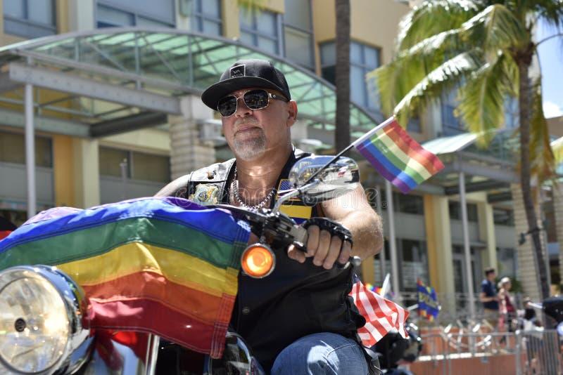 MIAMI BEACH, la FLORIDA, el 9 de abril de 2016 - orgullo gay foto de archivo